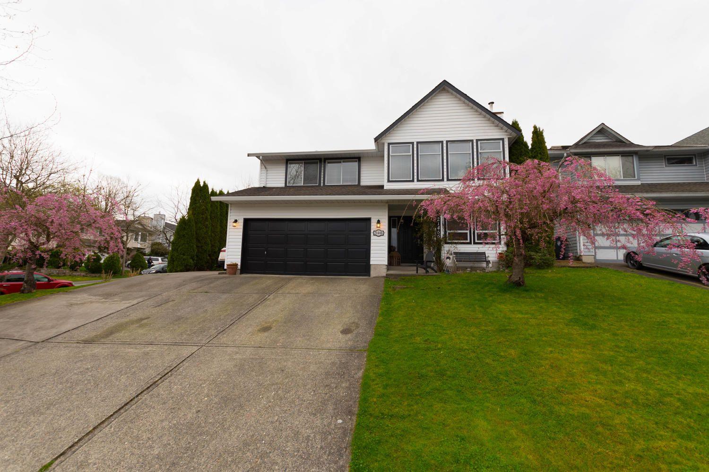 "Main Photo: 21466 90 Avenue in Langley: Walnut Grove House for sale in ""Walnut Grove"" : MLS®# R2256477"