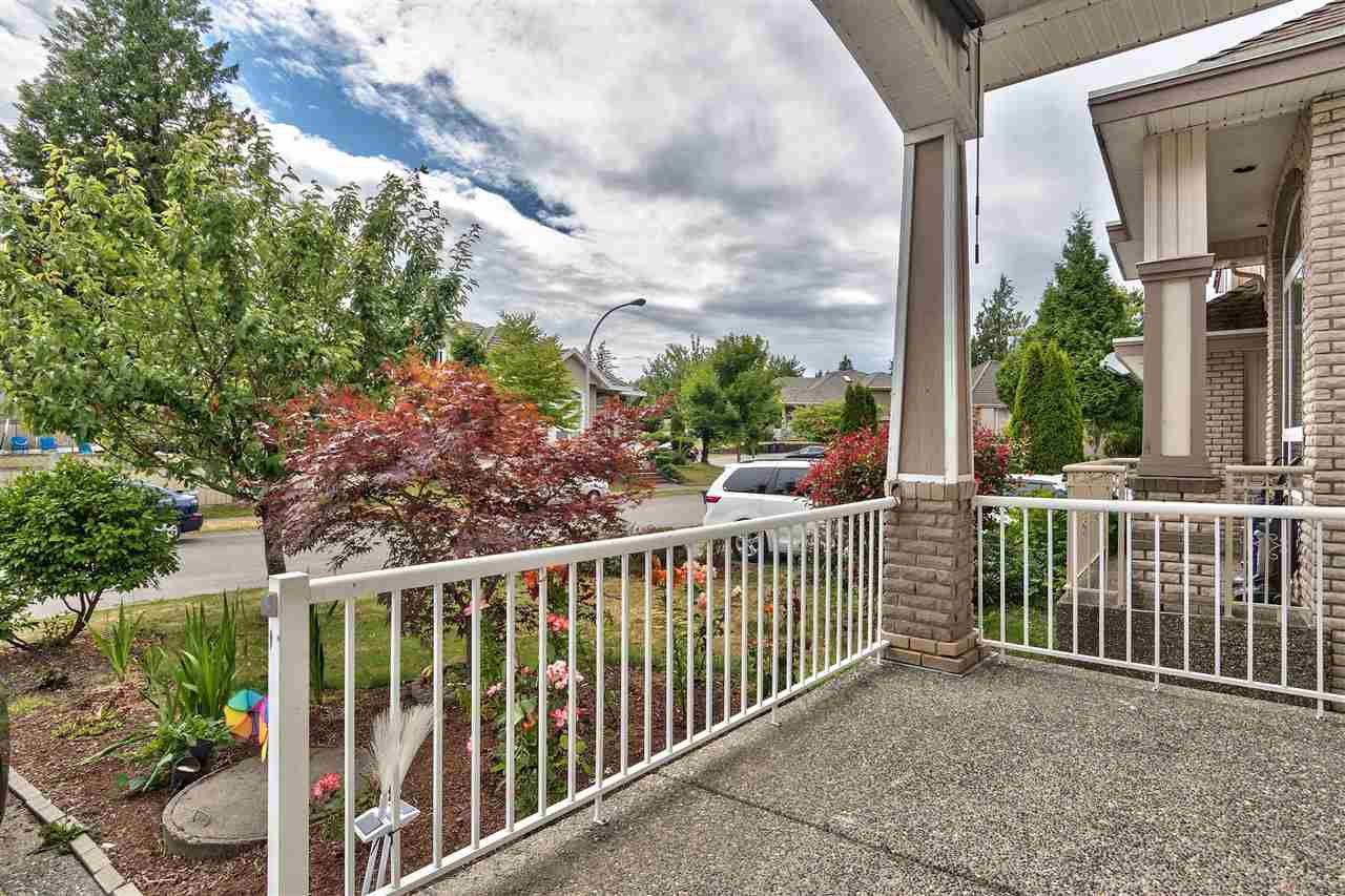 Main Photo: 5918 138 Street in Surrey: Panorama Ridge House for sale : MLS®# R2289585