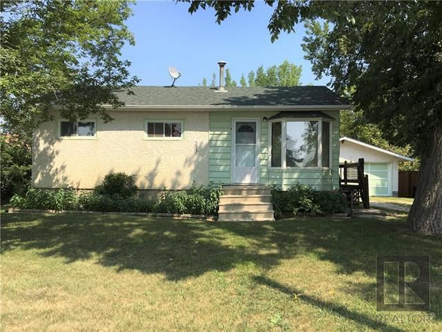 Main Photo: 393 Centrale Avenue in Ste Anne: Residential for sale (R06)  : MLS®# 1822120