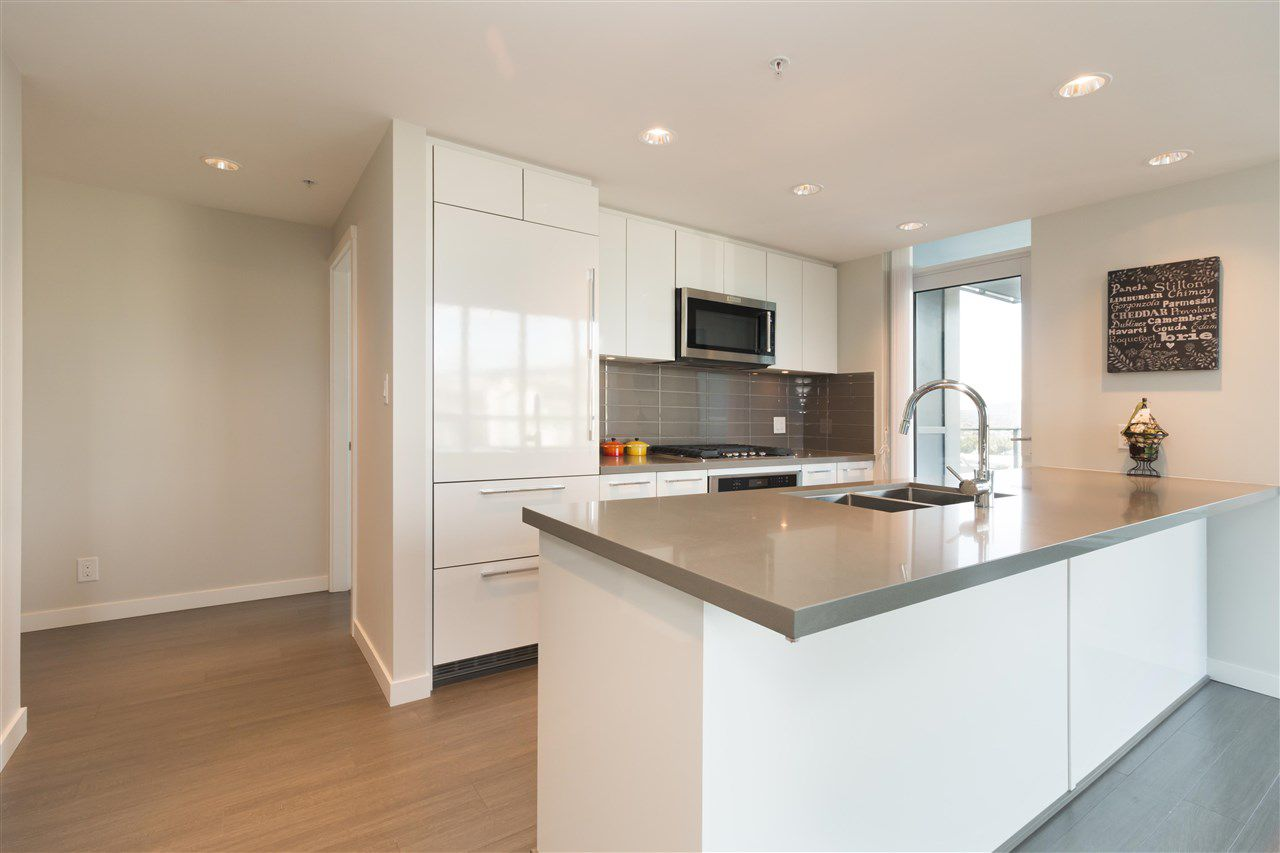 "Main Photo: 2308 3093 WINDSOR Gate in Coquitlam: New Horizons Condo for sale in ""The Windsor by Polygon"" : MLS®# R2331154"