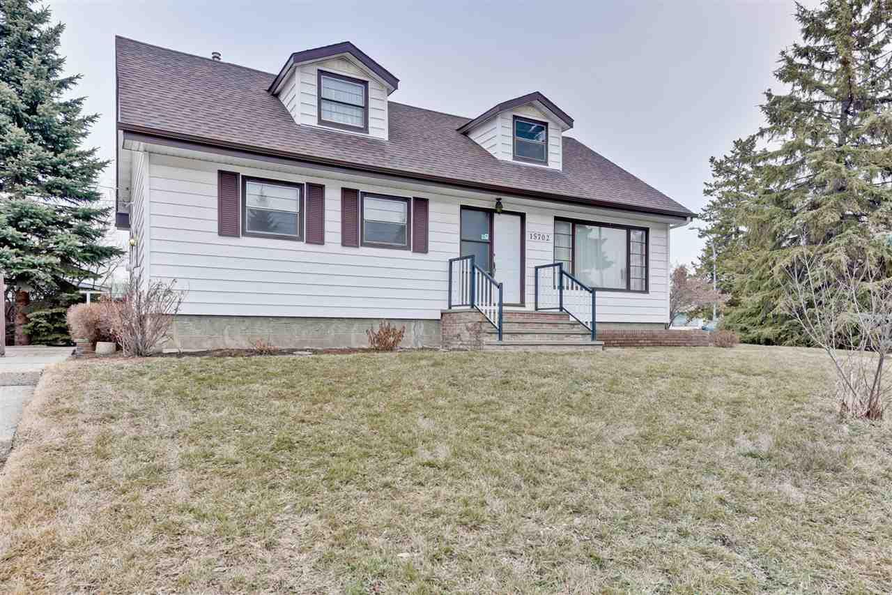 Main Photo: 15702 86 Avenue in Edmonton: Zone 22 House for sale : MLS®# E4148543