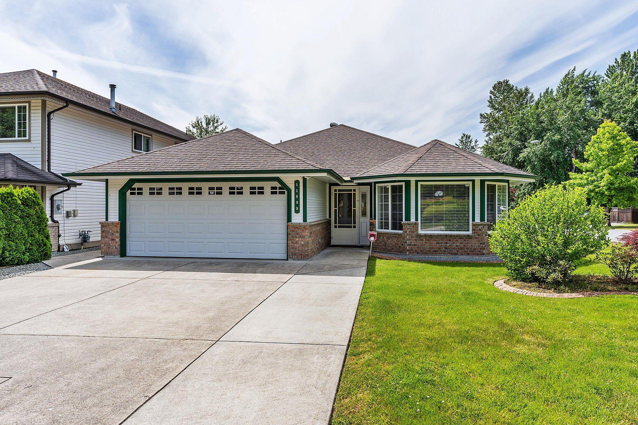 Main Photo: 11899 237 Street in Maple Ridge: Cottonwood MR House for sale : MLS®# R2377865
