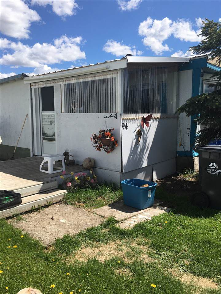 """Main Photo: 94 8420 ALASKA Road in Fort St. John: Fort St. John - City SE Manufactured Home for sale in """"Peace Country Mobile Home Park"""" (Fort St. John (Zone 60))  : MLS®# R2379841"""