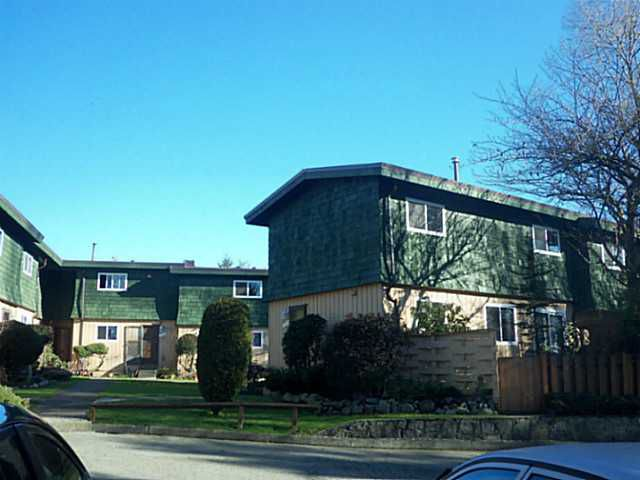 """Main Photo: 7472 13TH Avenue in Burnaby: Edmonds BE Townhouse for sale in """"THE POPLARS"""" (Burnaby East)  : MLS®# V1101986"""
