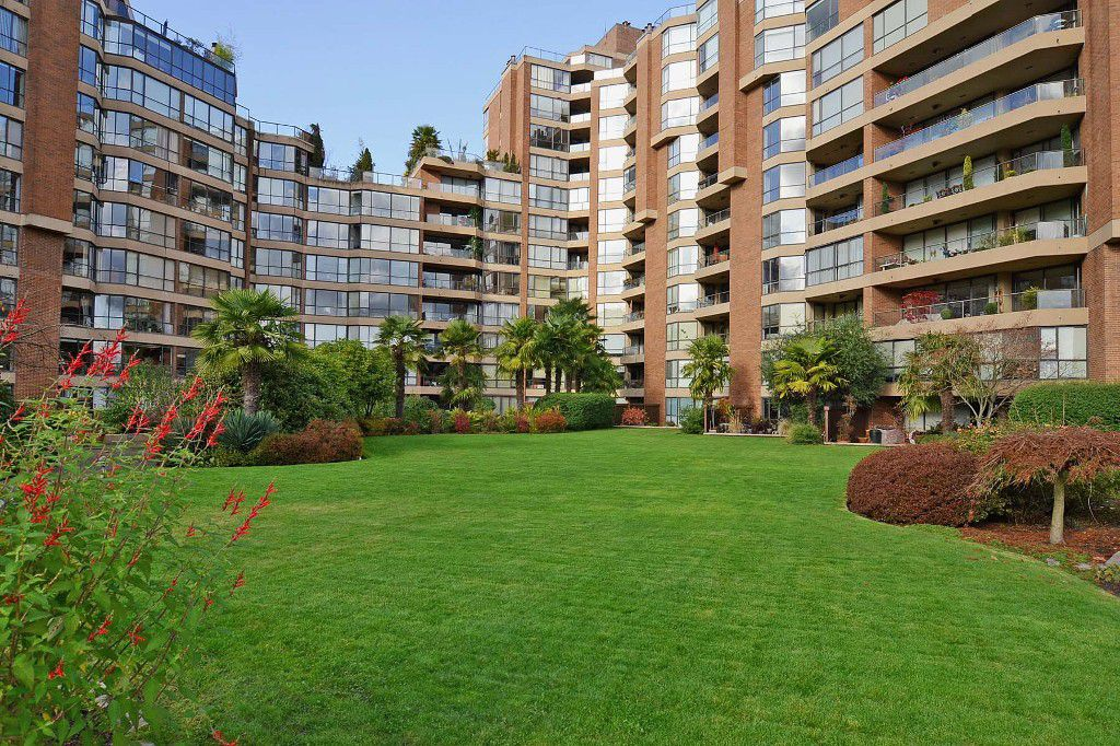 """Main Photo: 501 1470 PENNYFARTHING Drive in Vancouver: False Creek Condo for sale in """"TWO HARBOUR COVE"""" (Vancouver West)  : MLS®# V1117052"""