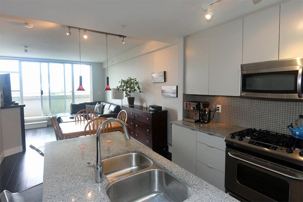 "Main Photo: 306 298 E 11TH Avenue in Vancouver: Mount Pleasant VE Condo for sale in ""SOPHIA"" (Vancouver East)  : MLS®# R2090826"