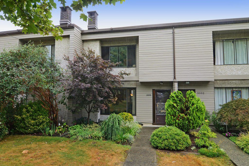 """Main Photo: 3336 VINCENT Street in Port Coquitlam: Glenwood PQ Townhouse for sale in """"Burkview"""" : MLS®# R2110578"""