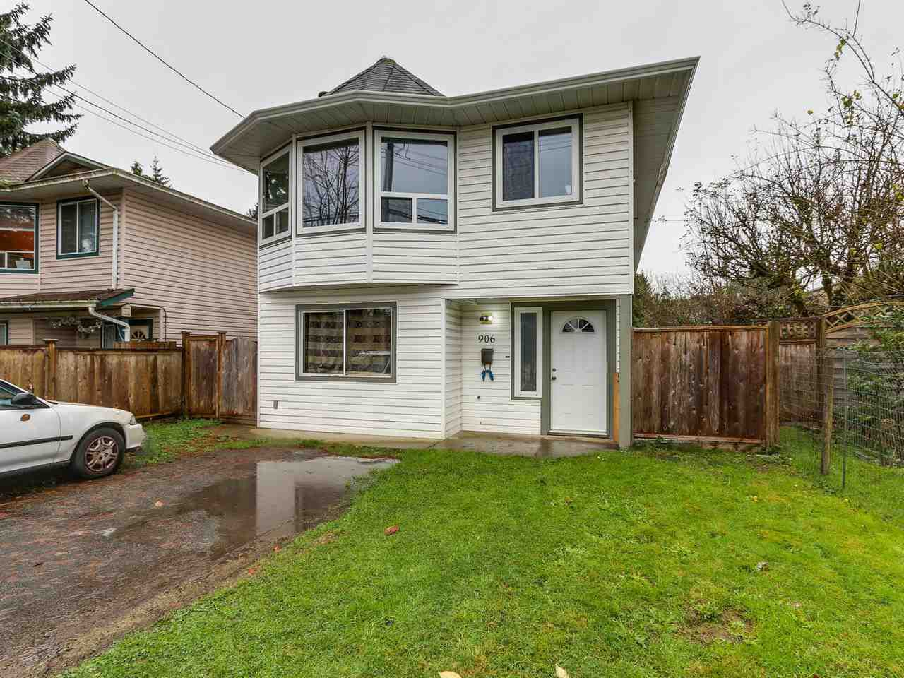 Main Photo: 906 WESTWOOD Street in Coquitlam: Meadow Brook House for sale : MLS®# R2125597
