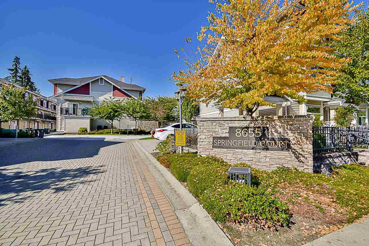 "Main Photo: 14 8655 159 Street in Surrey: Fleetwood Tynehead Townhouse for sale in ""Springfield"" : MLS®# R2156519"