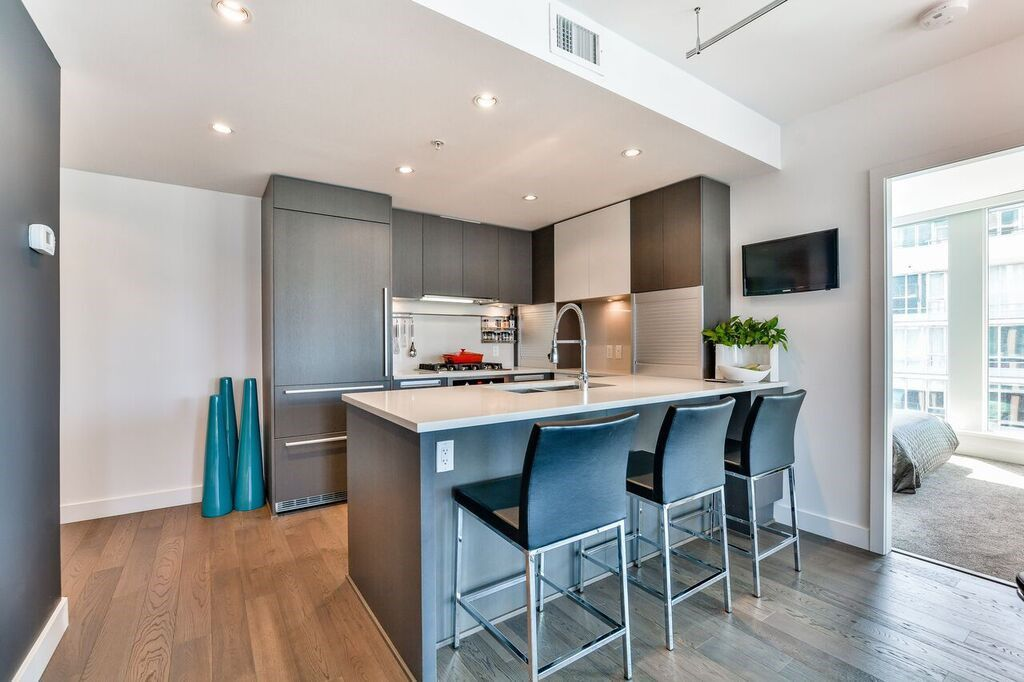 """Main Photo: 1103 288 W 1ST Avenue in Vancouver: False Creek Condo for sale in """"THE JAMES"""" (Vancouver West)  : MLS®# R2157725"""