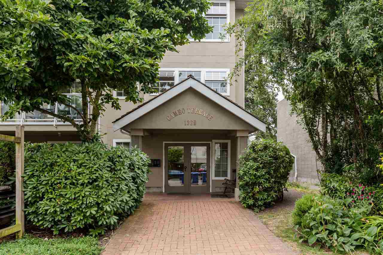 "Main Photo: 302 1369 GEORGE Street: White Rock Condo for sale in ""CAMEO TERRACE"" (South Surrey White Rock)  : MLS®# R2186748"