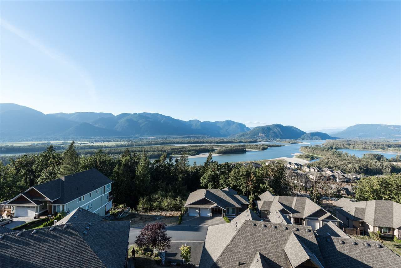 Main Photo: 13 43540 ALAMEDA DRIVE in Chilliwack: Chilliwack Mountain Townhouse for sale : MLS®# R2207854