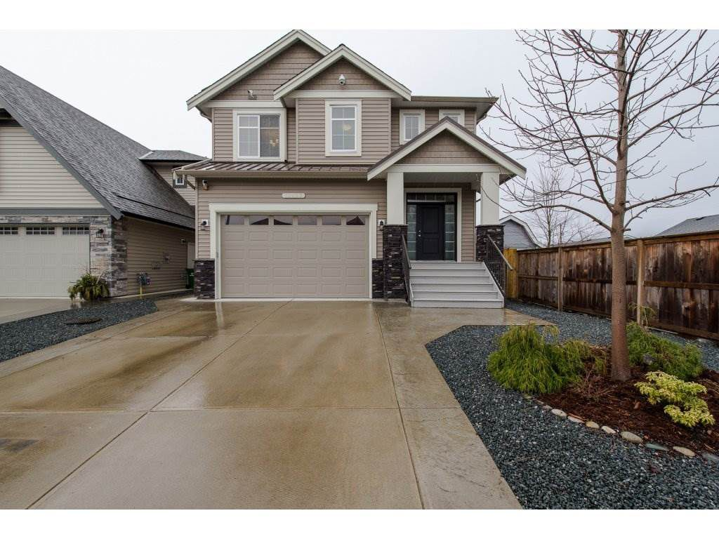 Main Photo: 10273 MANOR Drive in Chilliwack: Fairfield Island House for sale : MLS®# R2249199