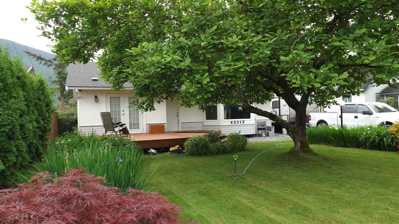 Main Photo: 42012 YARROW CENTRAL Road: Yarrow House for sale : MLS®# R2273264