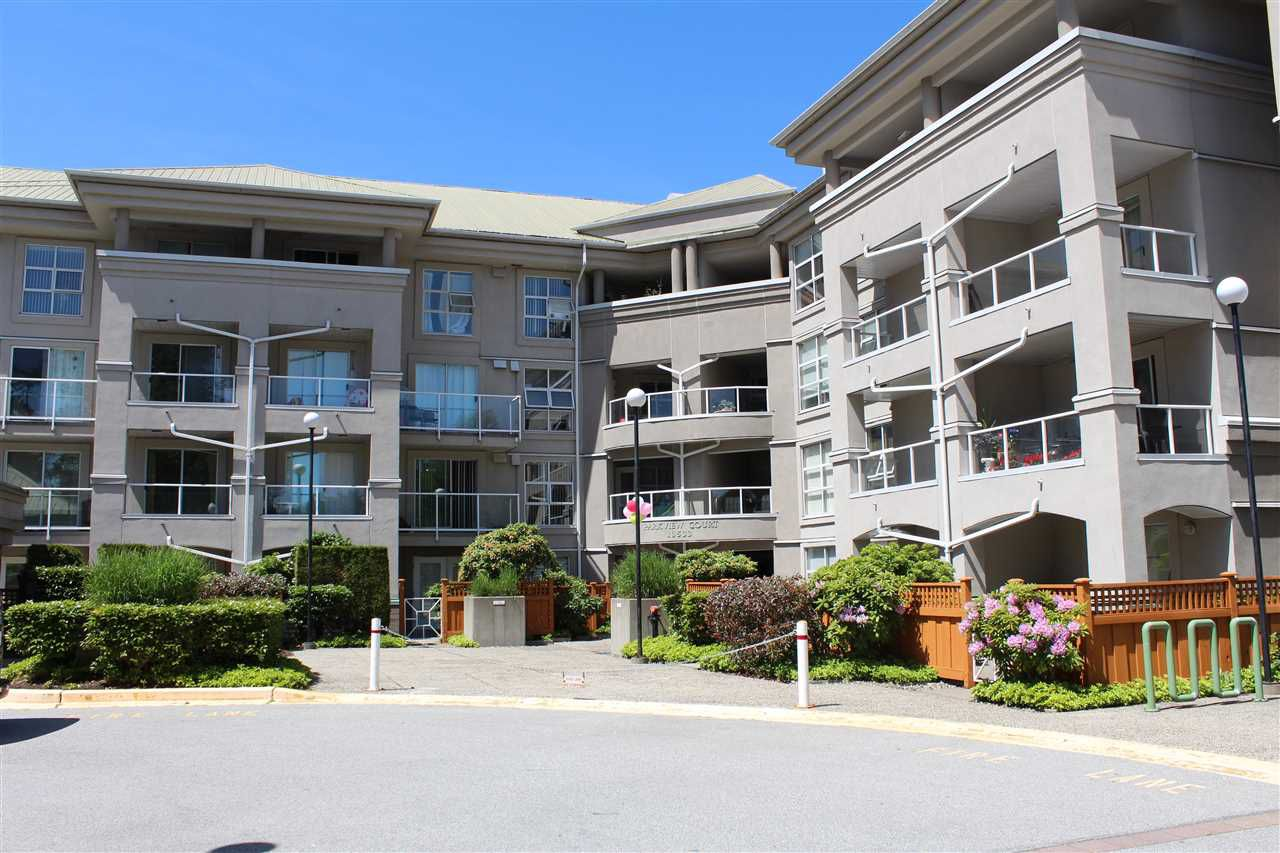 Main Photo: 106 10533 UNIVERSITY Drive in Surrey: Whalley Condo for sale (North Surrey)  : MLS®# R2274076