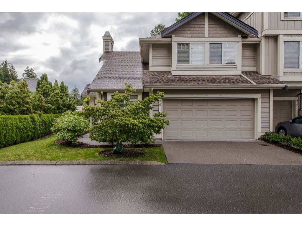 """Main Photo: 25 45550 SHAWNIGAN Crescent in Chilliwack: Vedder S Watson-Promontory Townhouse for sale in """"Garrison Crossing"""" (Sardis)  : MLS®# R2283929"""