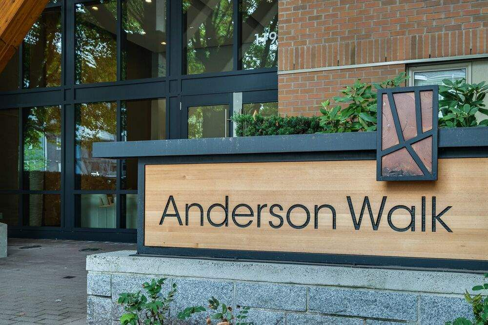 "Main Photo: 324 119 W 22ND Street in North Vancouver: Central Lonsdale Condo for sale in ""ANDERSON WALK"" : MLS®# R2303070"