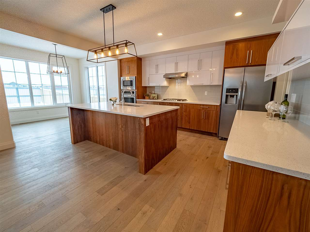 Main Photo: 8845 24 Avenue in Edmonton: Zone 53 House for sale : MLS®# E4132681