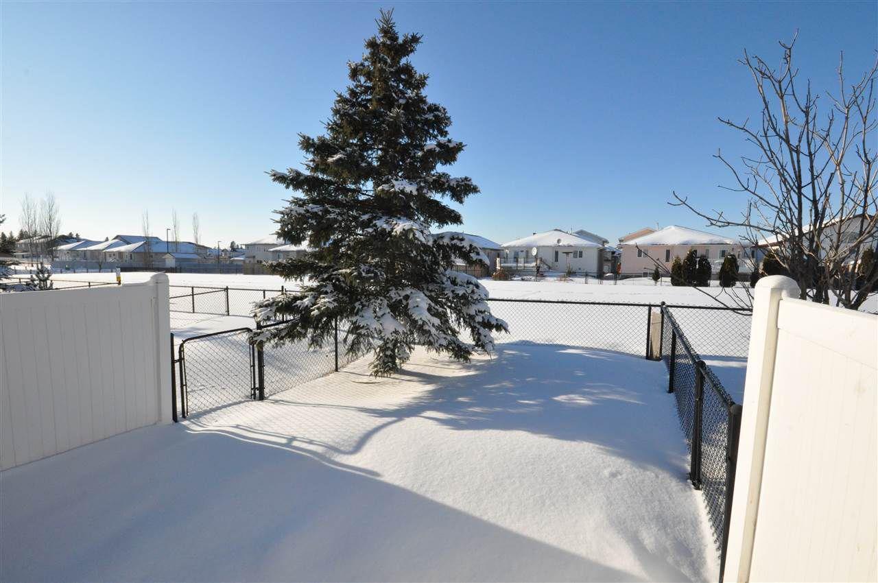 Main Photo: 23 2816 34 Avenue in Edmonton: Zone 30 Townhouse for sale : MLS®# E4144618