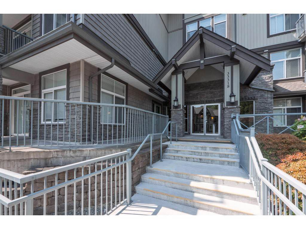 "Main Photo: 103 33318 E BOURQUIN Crescent in Abbotsford: Central Abbotsford Condo for sale in ""NATURES GATE"" : MLS®# R2363358"
