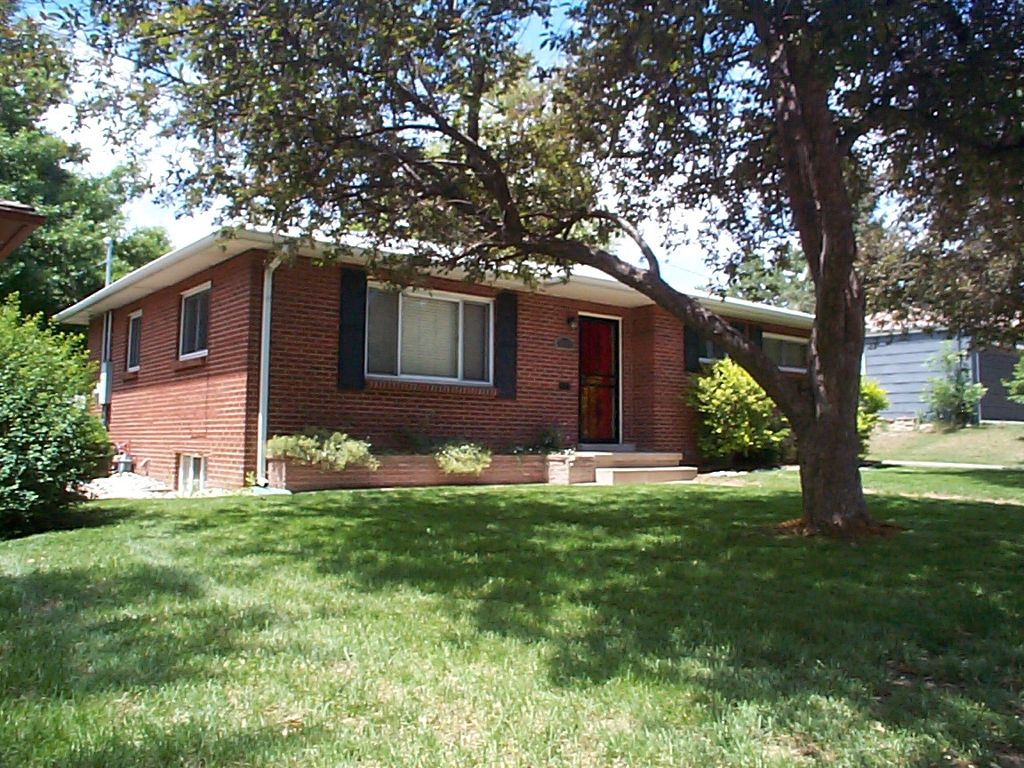 Main Photo: 3111 S. Ogden Street in Englewood: Residential Detached for sale : MLS®# 1095635