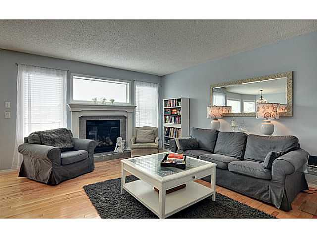 Photo 8: Photos: 340 NEW BRIGHTON Place SE in CALGARY: New Brighton Residential Detached Single Family for sale (Calgary)  : MLS®# C3596786