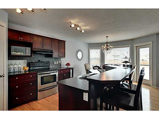 Photo 2: Photos: 340 NEW BRIGHTON Place SE in CALGARY: New Brighton Residential Detached Single Family for sale (Calgary)  : MLS®# C3596786