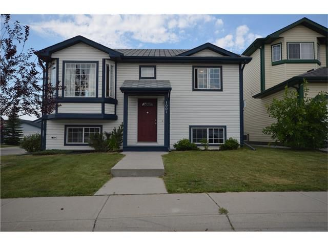 Main Photo: 1007 CREEK SPRINGS Rise NW: Airdrie House for sale : MLS®# C4022944