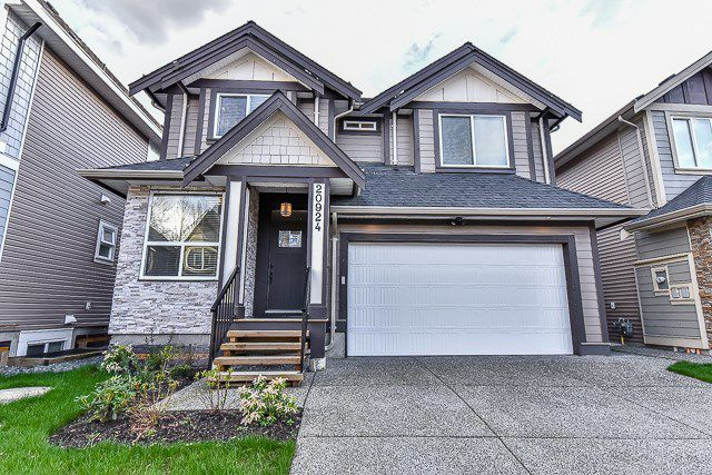 Main Photo: 20924 81 Avenue in Langley: Willoughby Heights House for sale : MLS®# R2045651