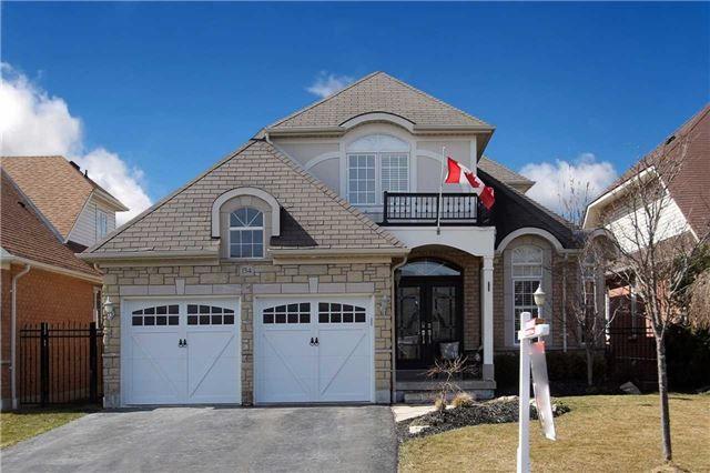 Main Photo: 134 Mackey Drive in Whitby: Lynde Creek House (Bungaloft) for sale : MLS®# E3442231