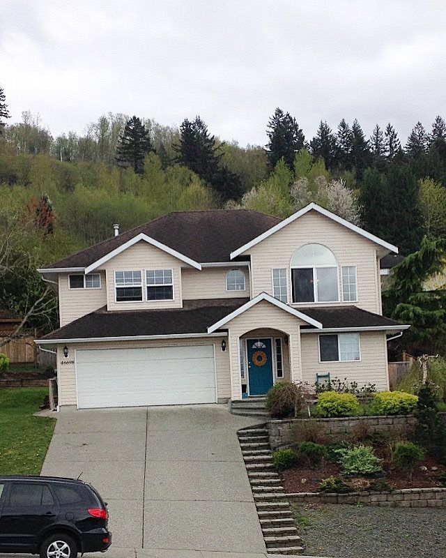 Main Photo: 46698 SYLVAN Drive in Sardis: Promontory House for sale : MLS®# R2053747