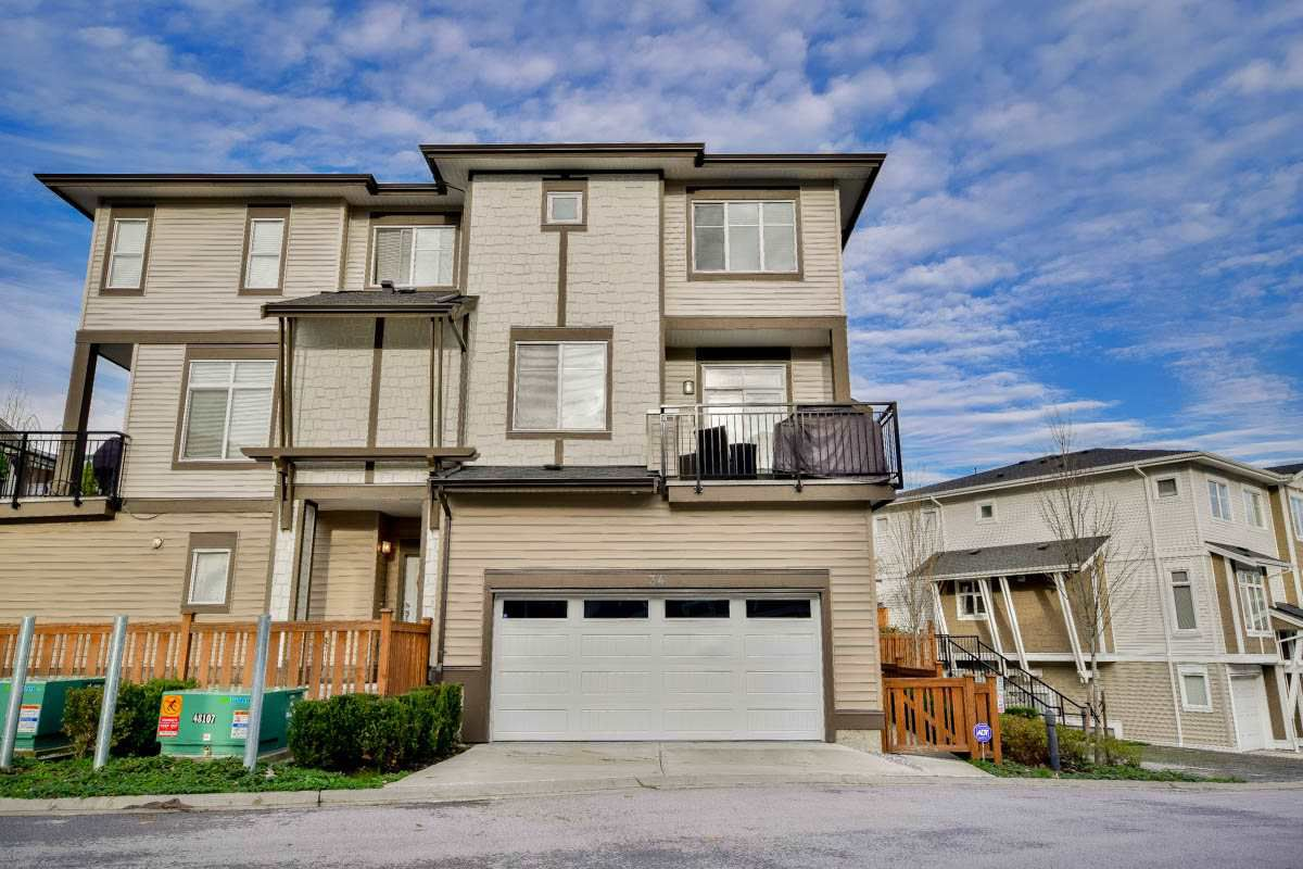 "Main Photo: 34 19433 68 Avenue in Surrey: Clayton Townhouse for sale in ""The Grove"" (Cloverdale)  : MLS®# R2123244"