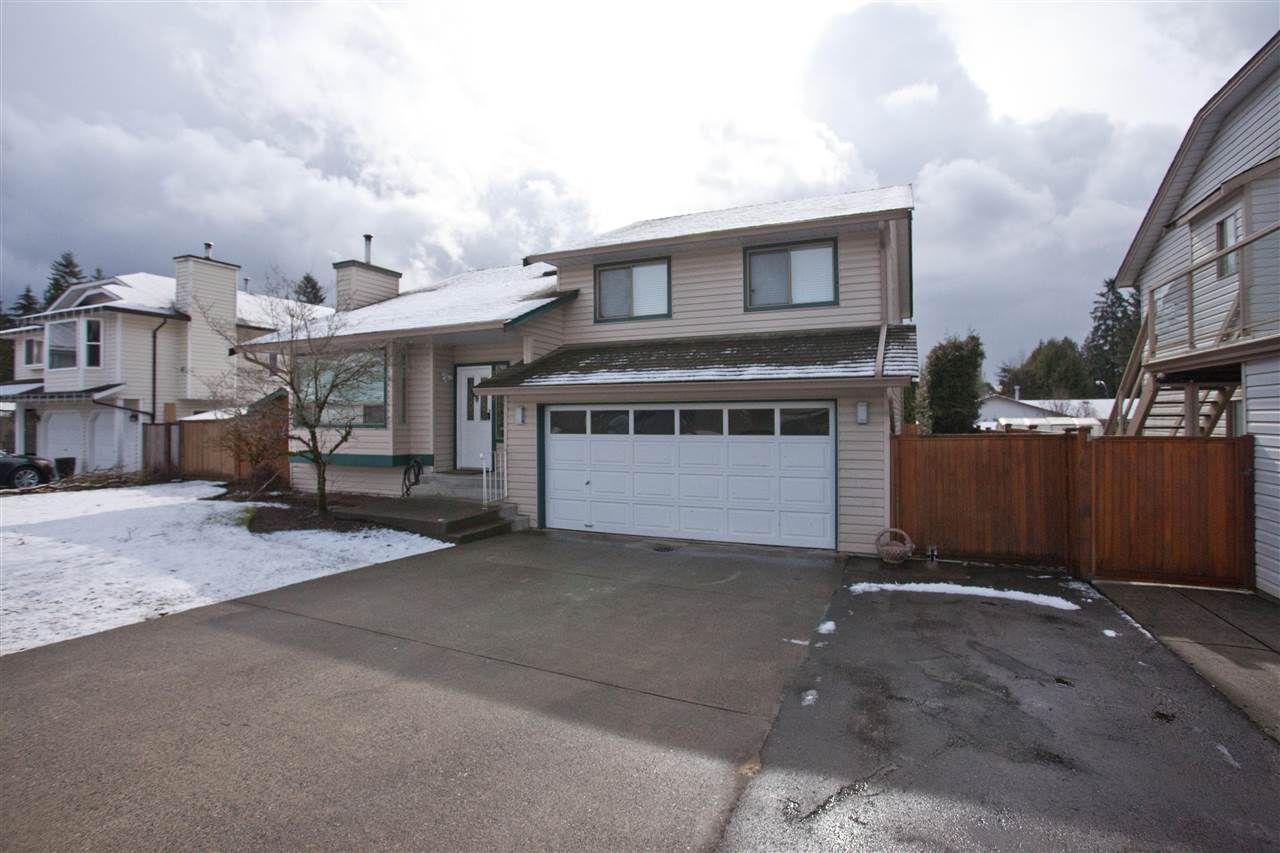 Main Photo: 24810 118B Avenue in Maple Ridge: Websters Corners House for sale : MLS®# R2144052