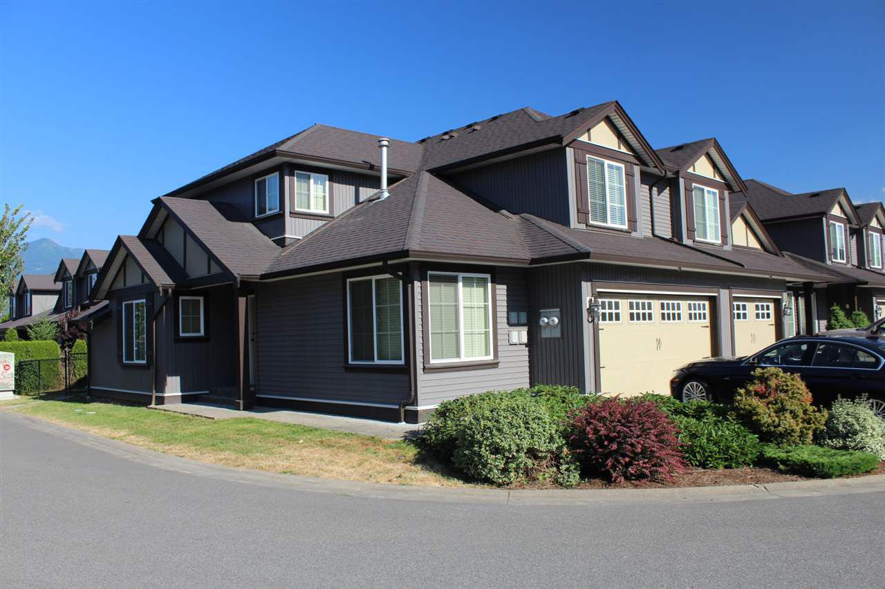 Main Photo: 8 46225 RANCHERO Drive in Chilliwack: Sardis East Vedder Rd Townhouse for sale (Sardis)  : MLS®# R2185811