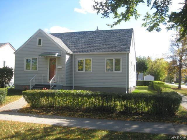 Main Photo: 246 La Verendrye Street in Winnipeg: St Boniface Residential for sale (2A)  : MLS®# 1726186