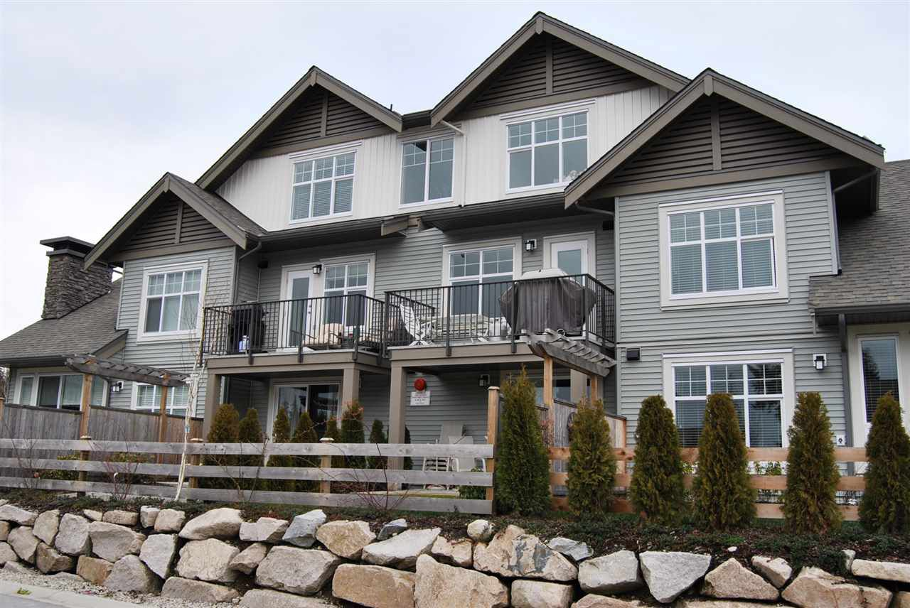 """Main Photo: 2 6233 TYLER Road in Sechelt: Sechelt District Townhouse for sale in """"The Chelsea"""" (Sunshine Coast)  : MLS®# R2227436"""