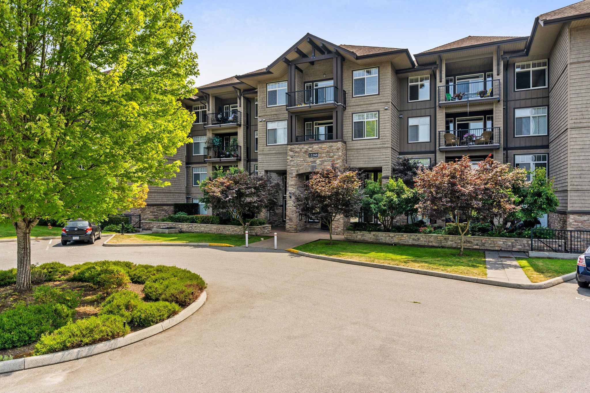 "Main Photo: 409 12268 224 Street in Maple Ridge: East Central Condo for sale in ""STONEGATE"" : MLS®# R2293677"