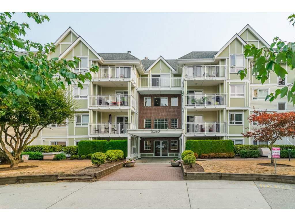 "Main Photo: 109 20189 54 Avenue in Langley: Langley City Condo for sale in ""Catalina Gardens"" : MLS®# R2295188"