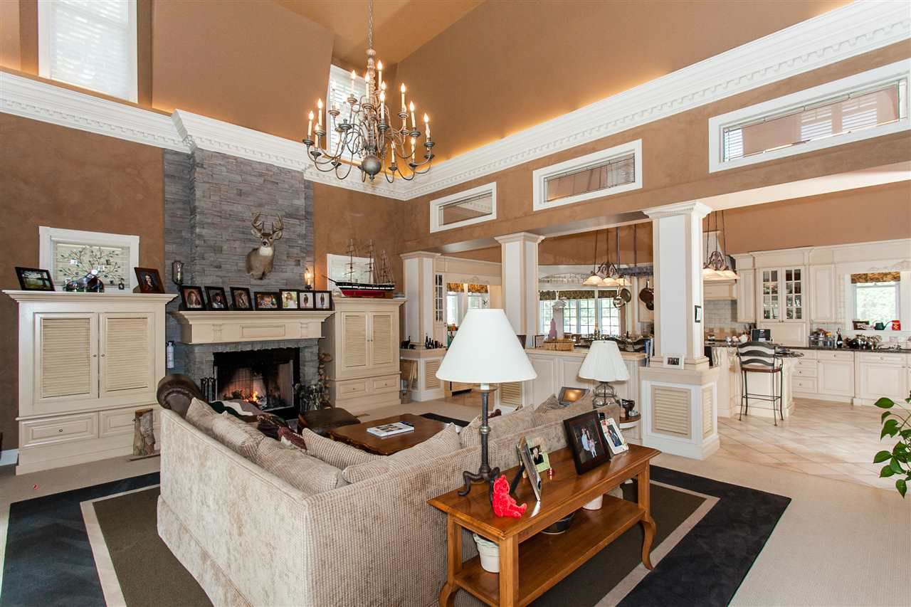Photo 6: Photos: 108 WESTBROOK Drive in Edmonton: Zone 16 House for sale : MLS®# E4134510