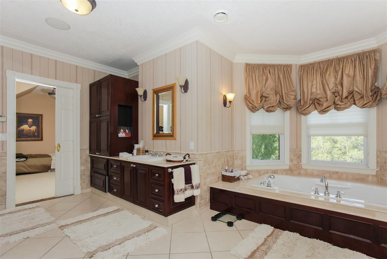 Photo 14: Photos: 108 WESTBROOK Drive in Edmonton: Zone 16 House for sale : MLS®# E4134510