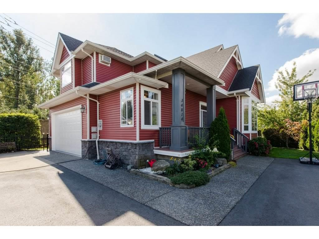 Main Photo: 34814 1ST Avenue in Abbotsford: Poplar House for sale : MLS®# R2330448