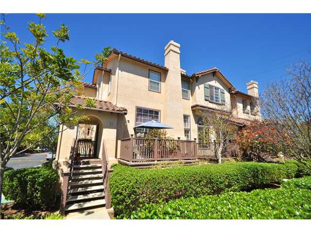 Main Photo: SAN DIEGO Home for sale or rent : 3 bedrooms : 10218 Wateridge #172