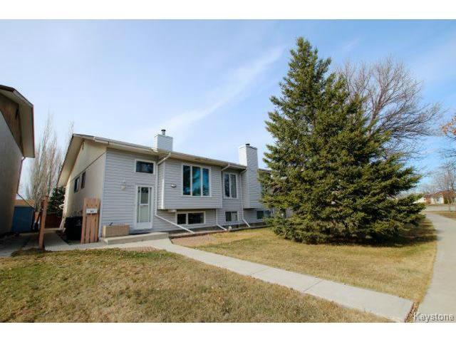 Main Photo: 421 Novavista Drive in WINNIPEG: St Vital Residential for sale (South East Winnipeg)  : MLS®# 1409257
