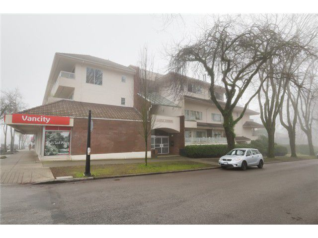 "Main Photo: 106 3626 W 28TH Avenue in Vancouver: Dunbar Condo for sale in ""Castle Gardens"" (Vancouver West)  : MLS®# V1098784"