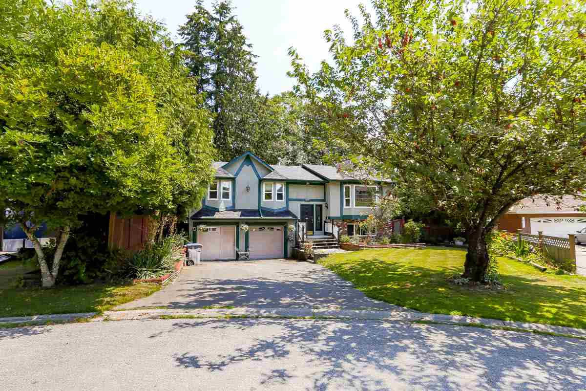 Main Photo: 13181 INVERNESS Place in Surrey: Queen Mary Park Surrey House for sale : MLS®# R2092554