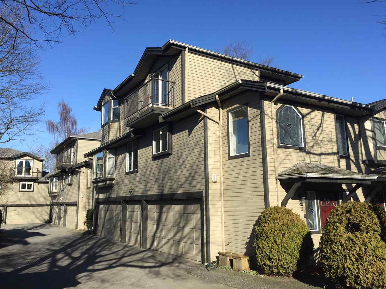 "Main Photo: 2 61 E 23RD Avenue in Vancouver: Main Townhouse for sale in ""61 EAST 23RD AVENUE PLACE"" (Vancouver East)  : MLS®# R2225680"