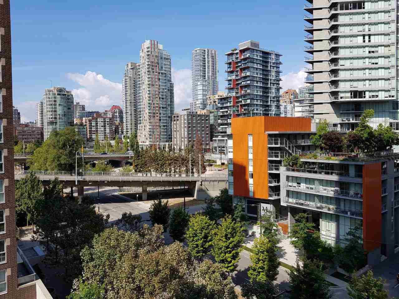 """Main Photo: 1007 1495 RICHARDS Street in Vancouver: Yaletown Condo for sale in """"AZURA II"""" (Vancouver West)  : MLS®# R2312999"""