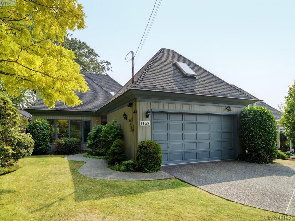 Main Photo: 1159 Monterey Avenue in VICTORIA: OB South Oak Bay Single Family Detached for sale (Oak Bay)  : MLS®# 401057
