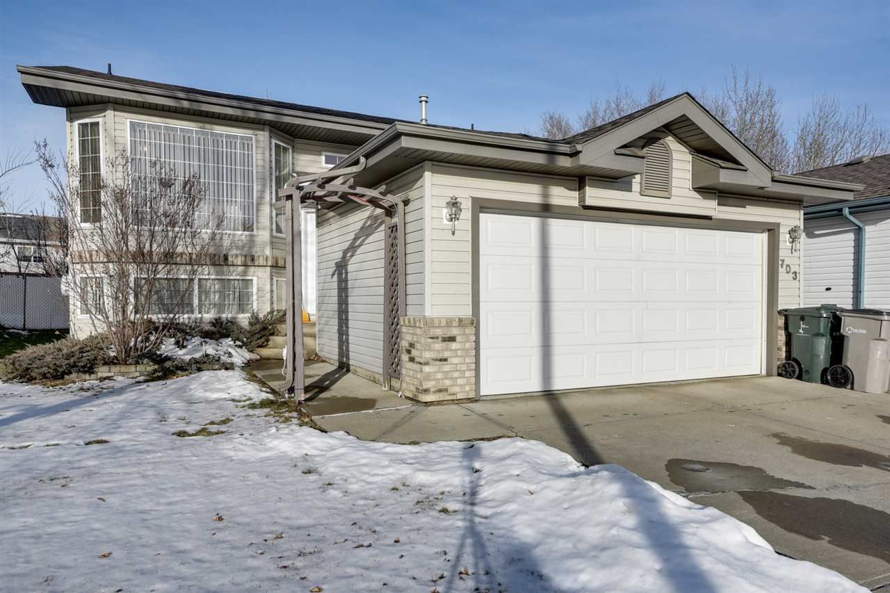 Main Photo: 703 FAIRWAY Drive: Stony Plain House for sale : MLS®# E4136056