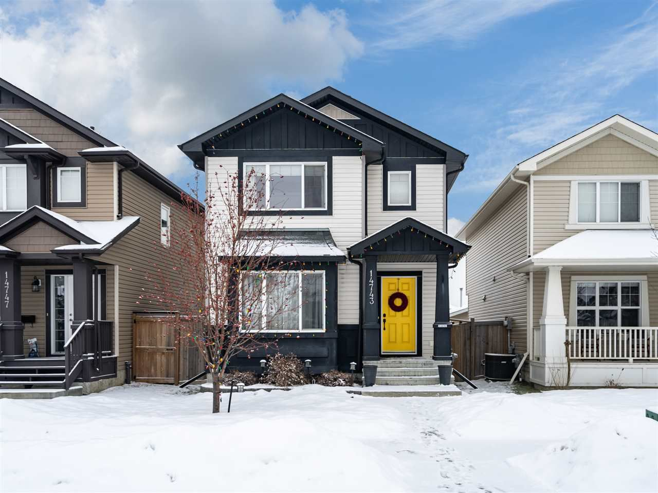 Main Photo: 14743 141 Street in Edmonton: Zone 27 House for sale : MLS®# E4142407
